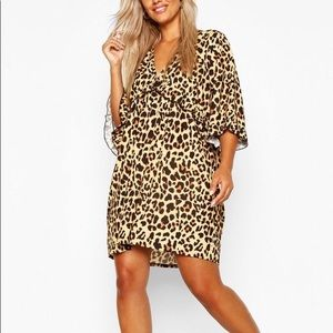 Plus size plunging leopard print ruffle dress